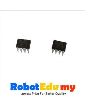 PIC 24LC512 I/P DIP 28 Microcontroller